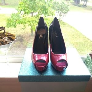 Guess Shoes - Pink and black ombre Guess heels